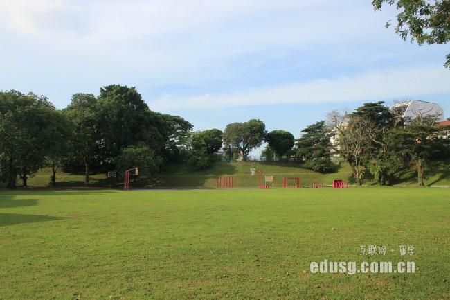 下面,新加坡留学网为你介绍新加坡英华美学院入学条件:-新加坡英