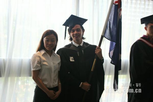 2016年新加坡留学一年费用