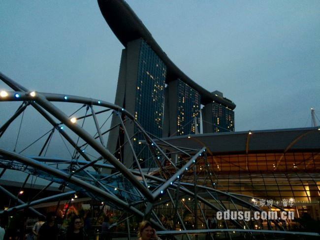 新加坡本科生留学费用