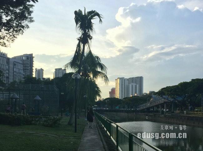 留学新加坡翻译专业申请流程