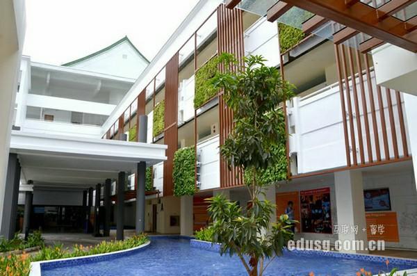 留学新加坡国际商务专业学费