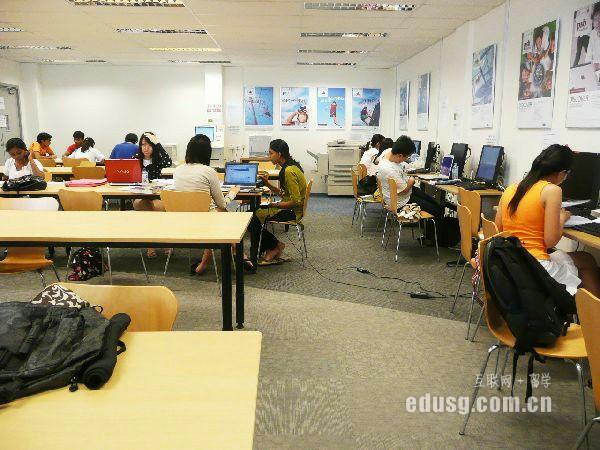 新加坡留学拿绿卡容易吗