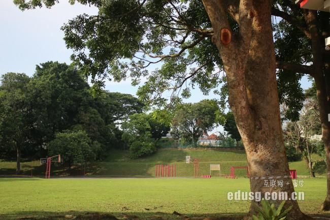 新加坡中学学制