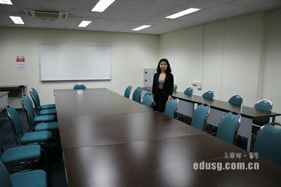 詹姆斯库克大学新加坡校区研究生读几年