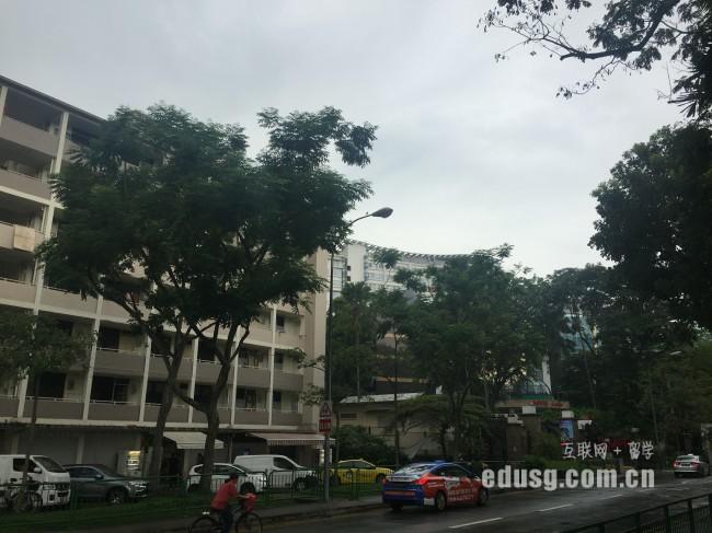 新加坡莎瑞管理学院专业学习是几年