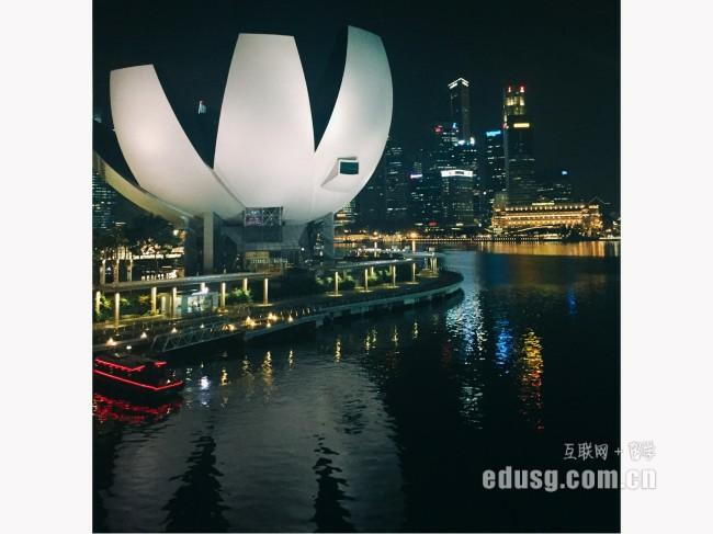 新加坡博伟国际教育学院研究生读几年