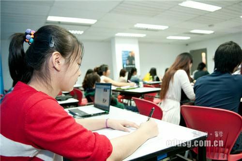 新加坡读研市场营销要几年