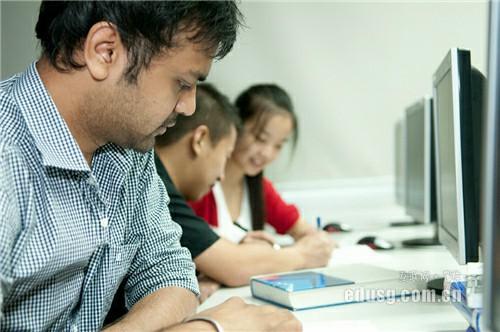 新加坡读大学价格多少