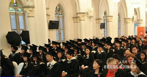 英迪大学毕业难吗