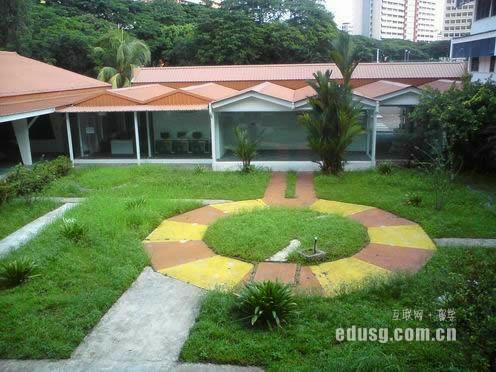 孩子新加坡读中学