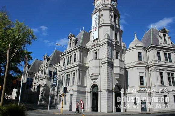 到新西兰读法学专业