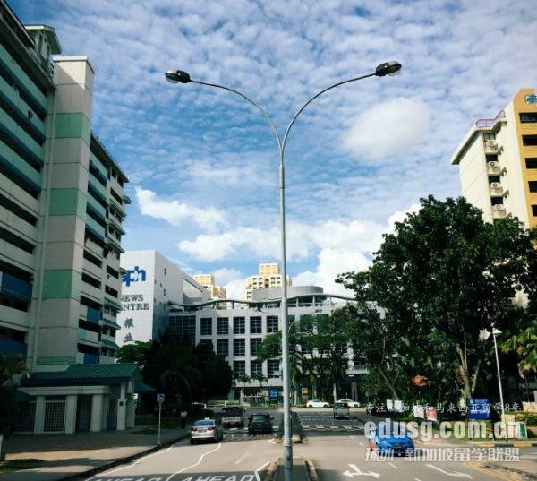 新加坡高中一年花费